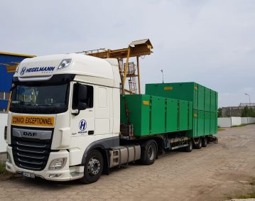 Combifloat C5 modular jack up barge loading on truck