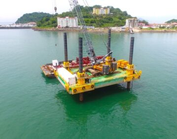 Combifloat C7 jack up in South America