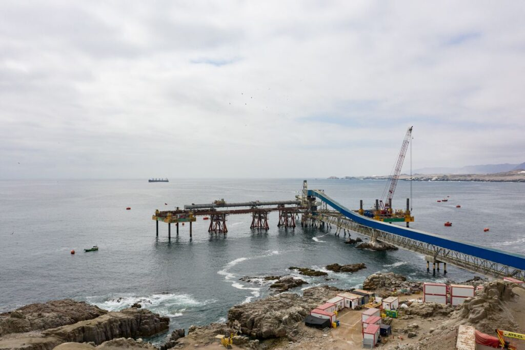 Combifloat jack up C7 and C9 working in Chile