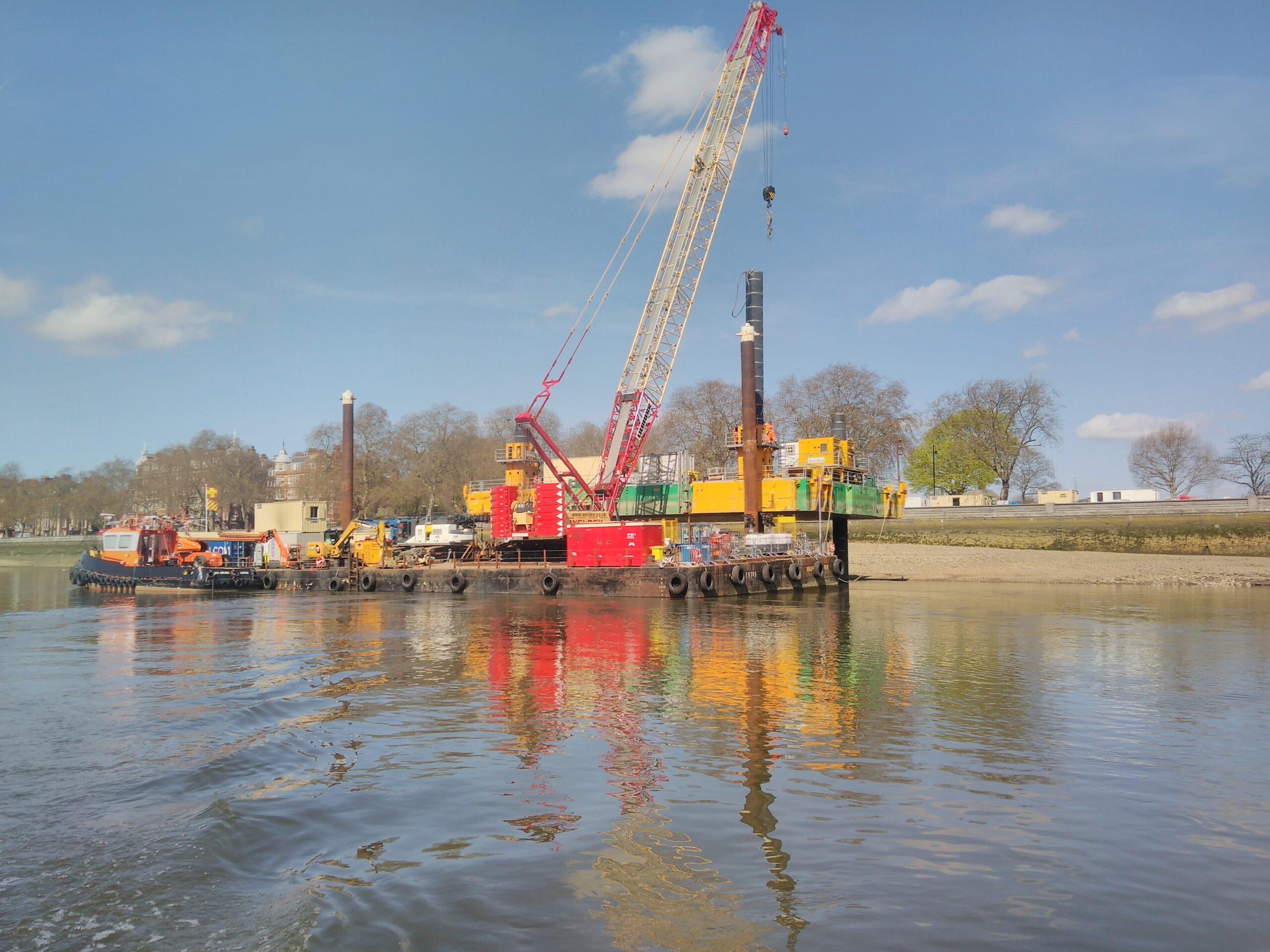 Combifloat modular jack up barge self elevating platform