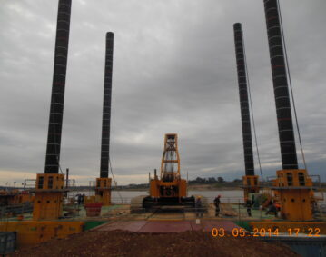 Combifloat C7 modular jack up barge self elevating platform
